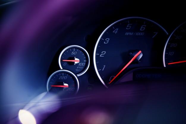 car-dashboard-dials_1426-262